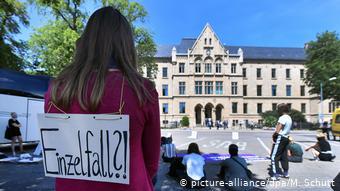 Διαδήλωση κατά της σεξουαλικής βίας εναντίον γυναικών στην Ερφούρτη