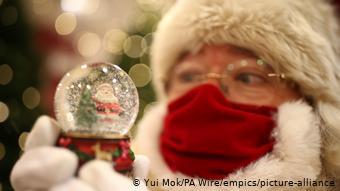 Άγιος Βασίλης με... μάσκα αναμένεται σε λίγες εβδομάδες