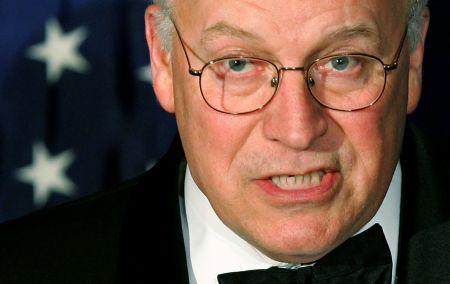 Ο Ντικ Τσένι ήταν διευθύνων σύμβουλος της Haliburton στο διάστημα 1995 με 2000